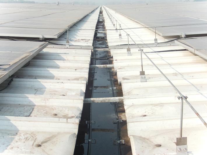 屋顶建筑融雪化冰系统